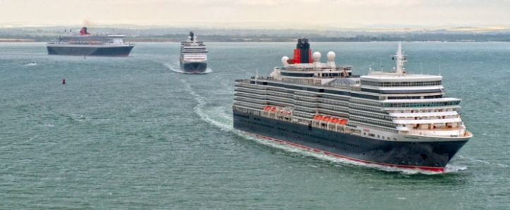A weekend to wrap up warm if out by the coasts watching the three queens event.. CREDIT: Cunard Lines
