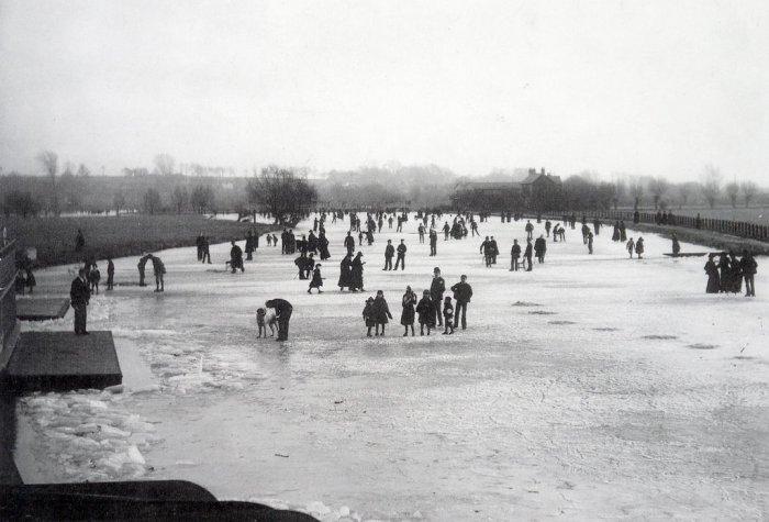 Frozen River thames in 1963