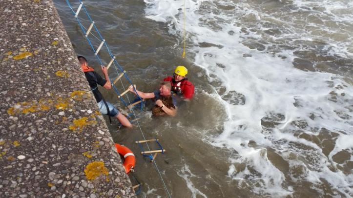 Man rescued from River Mersey. CREDIT: Freddie Brown