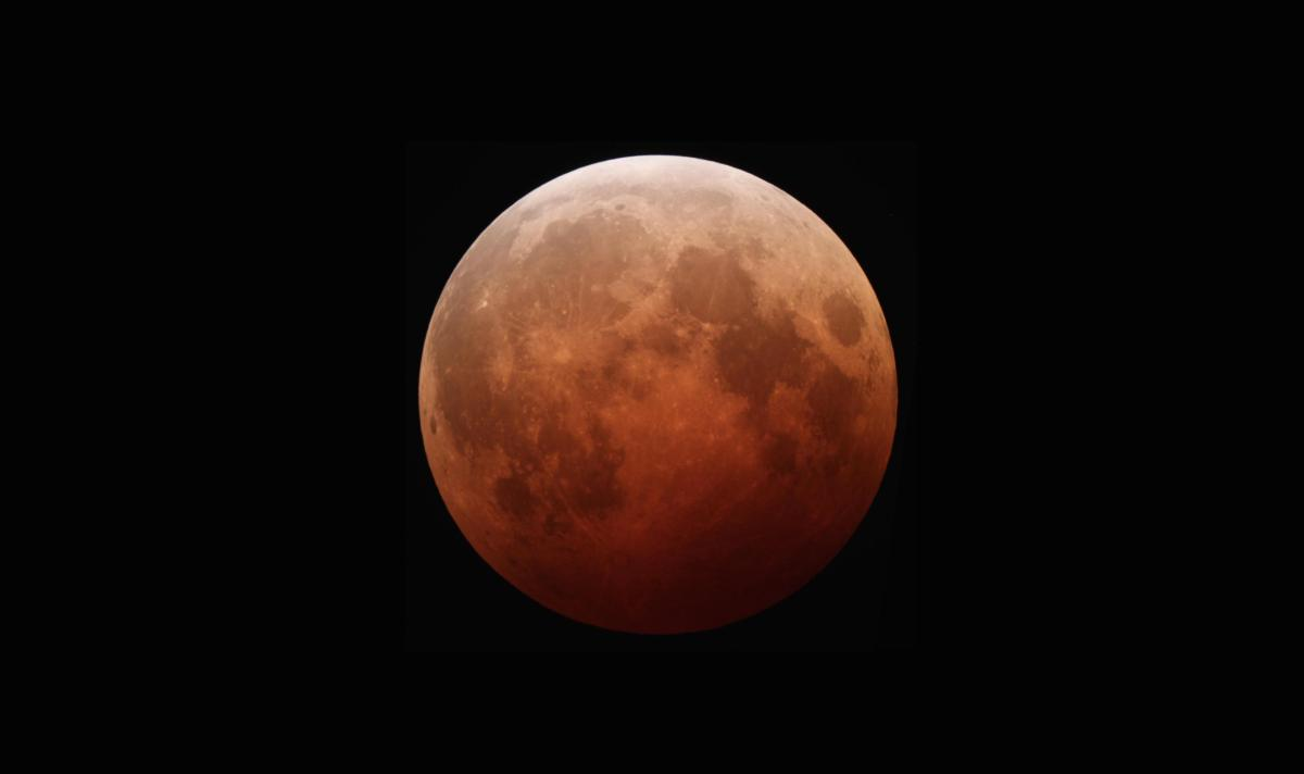 Stunning pictures show the super blood moon lunar eclipse over Liverpool