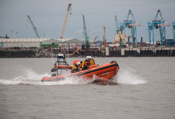 Atlantic 85 B-837 Charles Dibdin returning with casualty