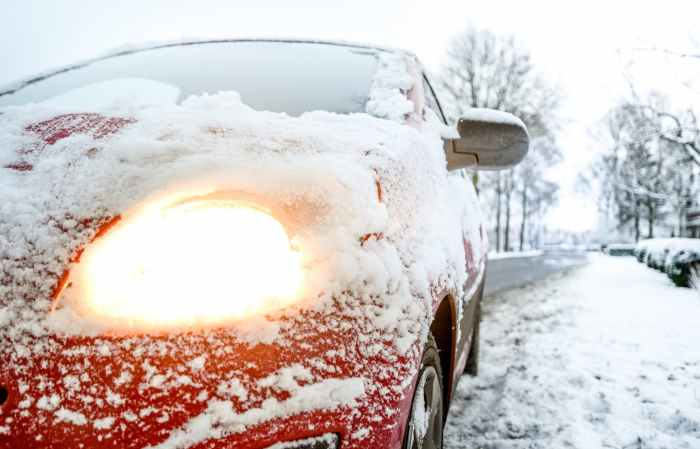car-light-snow-weather-730901.jpeg