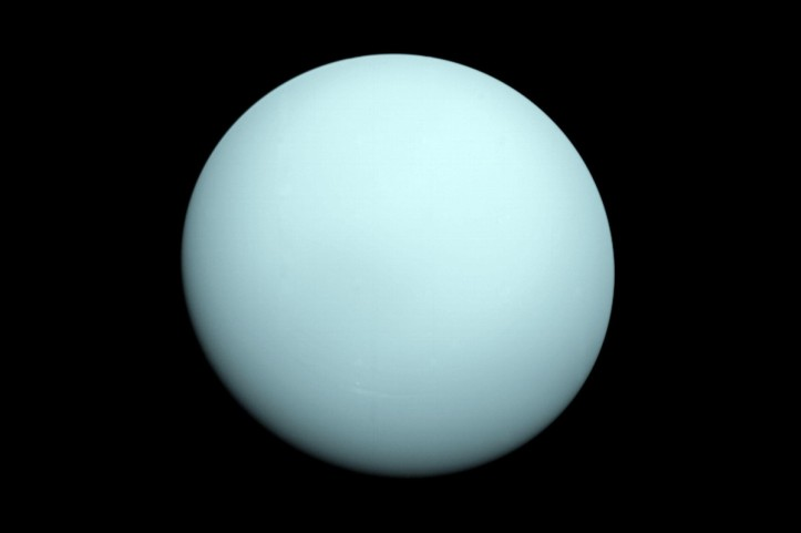 280703-uranus-struck-by-object-recovery-feature